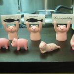 とんかつ ひろ喜 - 可愛い豚さんオブジェ!