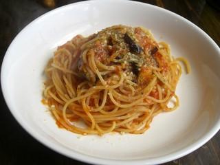 Wine&Pasta食堂  Tanaka - Wine&Pasta食堂 Tanaka・ツナとナスのトマトソース¥580