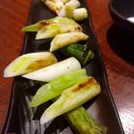 京都炭火串焼 つじや - 白ネギ¥550