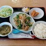 50012950 - 豚肉細切りピーマン炒め