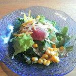 5002960 - 今日のランチのサラダ、生ハムが少し・・・