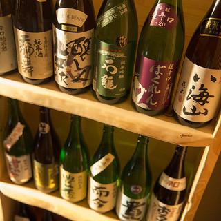 広島の地酒や各地の銘酒をラインナップ