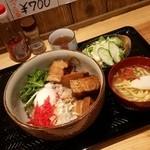 50024049 - 「ラフティー丼 ミニ沖縄そば・サラダつき (900円)」