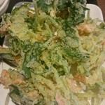 丸亀製麺 - 三つ葉と小エビの天ぷら