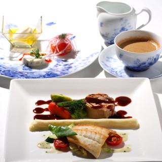 レストラン クララ - 料理写真:【お薦めのランチコース】オードブルの取り合わせと、メインディッシュはお魚もお肉もお召し上がりいただけるお薦めコースです。
