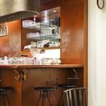 CAFE AALIYA - 店内 カウンター