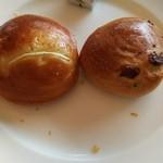 サンマルク - オニオンパン、レーズンパン