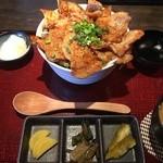 ご飯屋 - 料理写真:ぶーぶー丼(税別1050円)