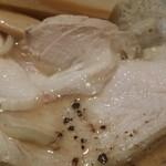 麺喰 - チャーシューは鶏むね肉