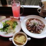 アメリカン ハウス バー&グリル - 自慢のローストビーフ丼 1080円