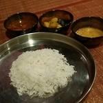 50036861 - 【ノンベジターラ】エビ                       ・ダル(豆スープ)・野菜料理