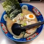 札幌ラーメン 熊吉 - 味噌ラーメン(750円)