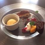50037688 - デザート三種盛(安納芋のジェラート、ティラミス、ガトーショコラ)