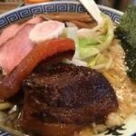 50056177 - 背脂醤油ラーメン850円+豚角煮100円