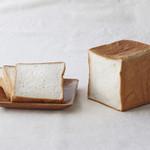 ラ・ブランジュリ・キィニョン - 料理写真:キィニョン食パン