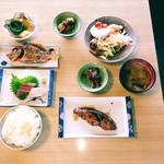 サンチョク鮮魚荒木 - さしみ定食