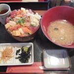 上野 寄せ家 - ビックリ丼 ¥600-