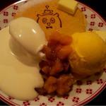 ポッロ - マロンアイスと林檎ジャムとオリジナルクリーム。