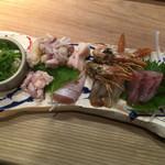 炭焼屋 勝商店 - 鶏と魚の造り盛り合わせ