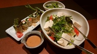 きはちらくはち やしろ店 - 「枝豆」「湯葉巻きサラダ」「豆腐とササミのヘルシーサラダ」