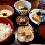 50076450 - 角煮と川鱒の焼き魚の麦とろ御膳 1,500円