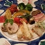50076479 - 魚エスカベッシュ、肉団子、カポナータ、カルパッチョ、鴨、ブロッコリー、かぼちゃ、焼きイワシ、鶏ハム等。