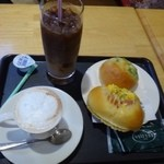 ベーカリーカフェ デリーナ - パンとドリンクを購入。