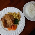 """レストラン ペチカ - チキンガーリック焼き""""ライス付き 税込¥1130"""