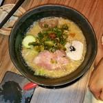 Chuukasobashigi - 味噌+辛ネギトッピングにて、あえて細麺にて