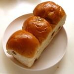 タカギ - 料理写真:ぶどうパン(ハーフサイズ)