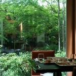 daininguryuu - 緑が綺麗な中庭