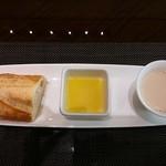 daininguryuu - 流ランチコース パン、スープ、オリーブオイル