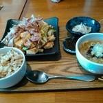 沖縄ごはん くくる食堂 - なかなかのボリューム。大食漢の私が大満足w