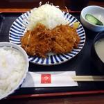 50091860 - 週替わり定食「ヒレかつとチキンかつ」907円也。税込。