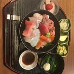 割烹 かねこ - 海鮮丼 1300円