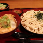 杵屋 - かつ丼定食 950円。