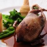 ビストロ・アヴリル - うずらのワイルドライス詰めロースト 春野菜添え 1200円