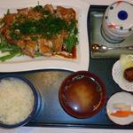 わたべ亭 - 若鶏のネギ焼き定食