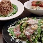 ウィッフィ - 生ハムのシーザーサラダ、豚ツナサラダ