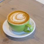 パンとエスプレッソと - ドリンク写真:バリスタが丁寧に淹れるカフェラテ