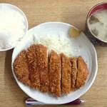 50101681 - 2016.4.22。とんかつ定食(ご飯大盛)500円