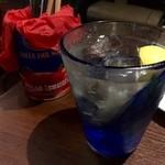 ミートバル BON - まずはハイボールで乾杯!