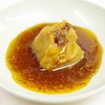 夫婦餃子 - 味噌、ニンニク醤油、酢、辣油