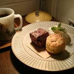 ジャムカフェ - スコーン2種とブレンドコーヒー