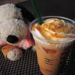 タリーズコーヒー - そろそろ冷たい飲み物が美味しい季節だね。  ちびつぬ「キャラメルソースが好きなの~」
