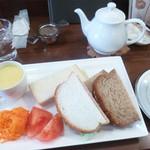 紅茶日和 - ランチのサンドウィッチ
