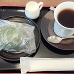 大福の大阪屋 - 大福のセット 草大福&コーヒー(2016/4/22)