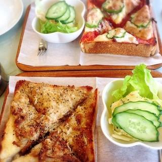 恵比寿屋喫茶店 - ピザトーストとツナトースト