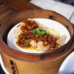 茉莉花 - 鶏もも肉の竹蒸し