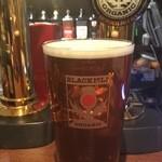 スコティッシュ パブ ブリッジェンド - スコットランド産のオーガニックビール ブラックアイルです。こちらも樽生が飲める店は全国でも珍しいビールです。